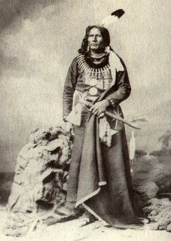 the ponca tribe in standing bear becomes a person in the book i bury my heart at wounded knee by dee Bury my heart at wounded knee: an indian history of the american west by dee brown, hampton sides click here for the lowest price paperback, 9780805086843, 0805086846.